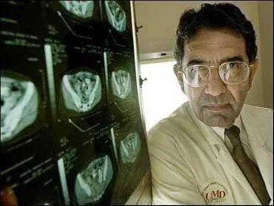 美传染病专家接种疫苗后赴印感染新冠去世,专家:接种疫苗仍是有效防护手段