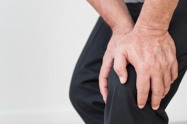 骨质健康对老年人来说非常重要,如何预防骨折?