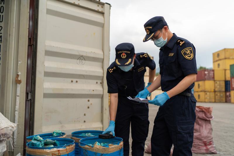 美丽石头下潜伏的隐忧:广州海关退运一批放射性超标货物