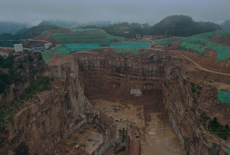 生态环境部通报:广西岑溪市花岗岩矿山粗放式开采生态破坏严重