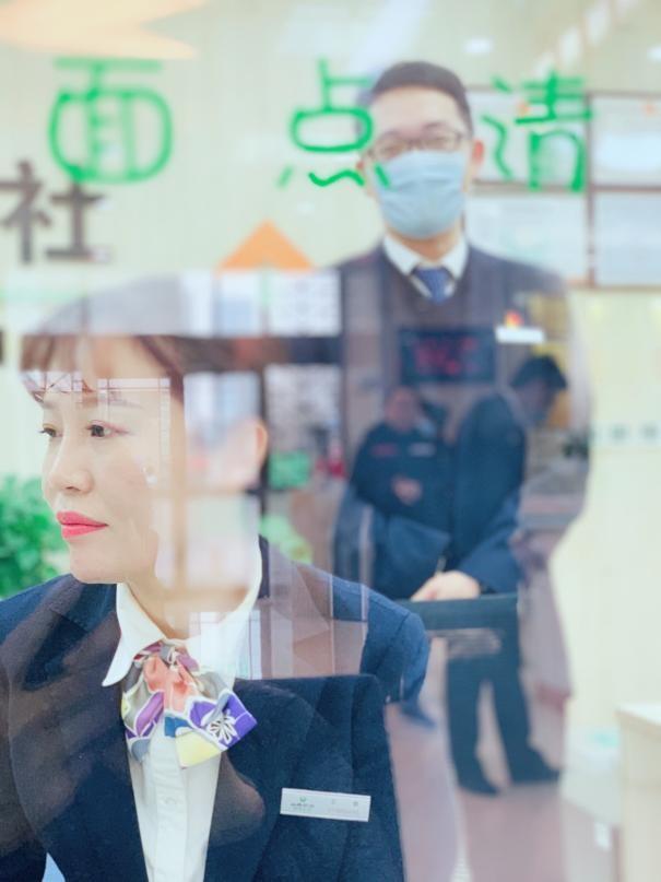 太原市城区联社南内环分社五一假日服务不打烊业务不断档
