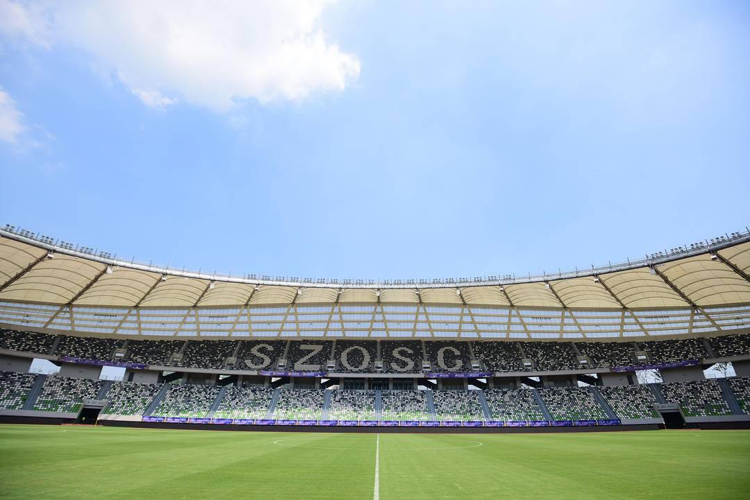 四场比赛,每场计划开放3万2千个座位