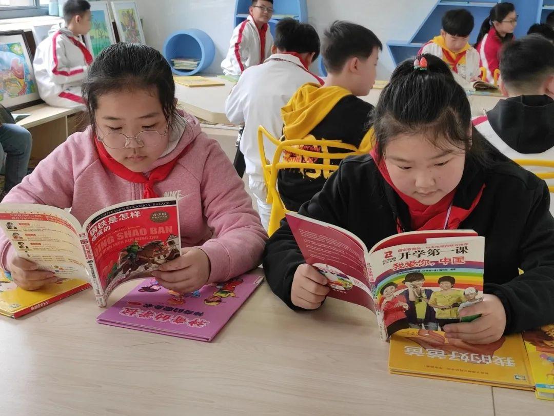 这所小学学生集体开展红色课程学习,你知道学了哪些内容吗?