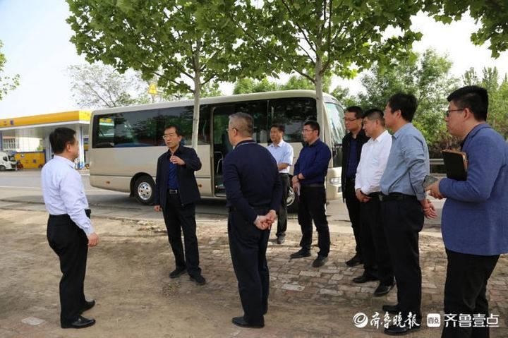 阳信县委书记栾兴刚到洋湖乡调研路域和人居环境综合整治