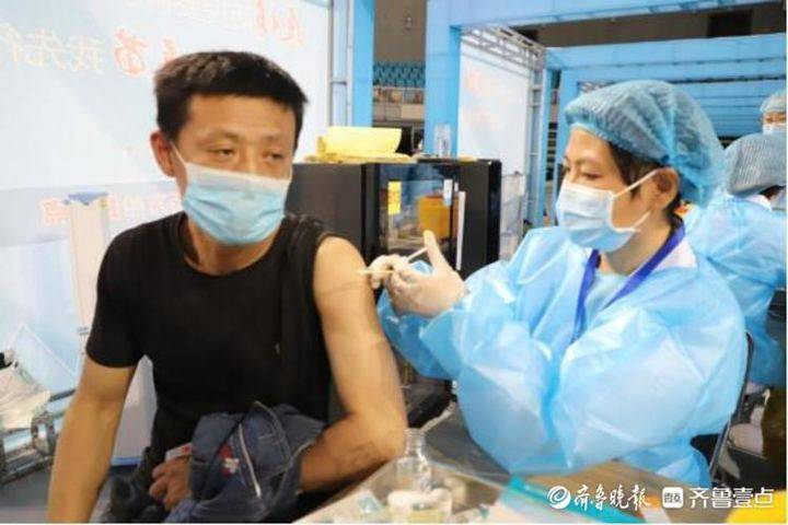 滨州市体育馆规范化保障新冠病毒疫苗接种工作顺利进行
