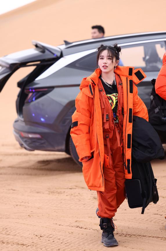 《追星星的人》韩庚阚清子变神秘大厨腾格里沙漠开起星空演唱会
