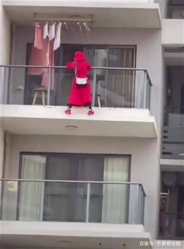 三亚女子阳台跳舞坠楼,警方通报:房间内留有遗书