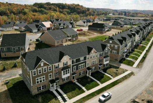 超过半数购房者不看房直接买?美房产投资公司CEO:现在不是买房好时机