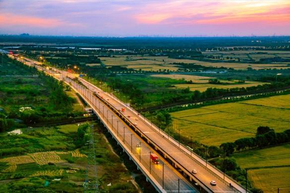 秀洲区获评全省万里美丽经济交通走廊示范县