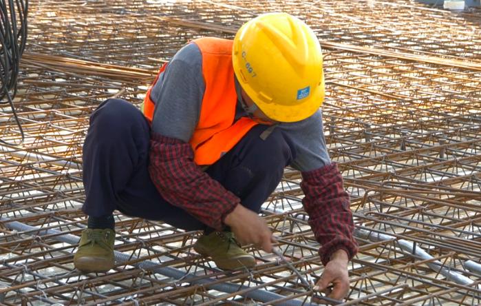 建设提速 重庆两江协同创新区联合产业孵化基地完成六栋楼封顶作业