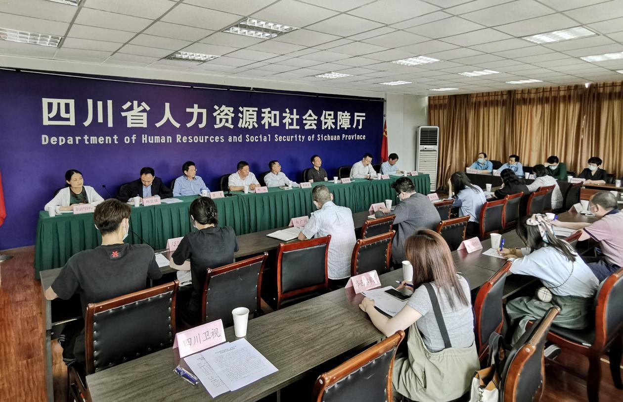 四川各级工会今年以来帮助农民工挽回经济损失2530万元
