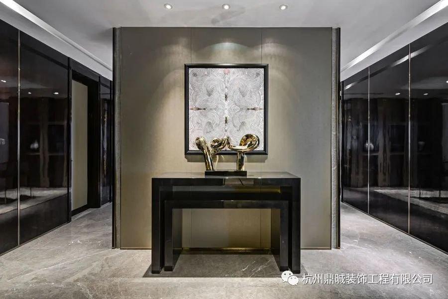 150平大宅融入着Armani设计理念,强调舒适、简约典雅 呈现高雅奢华的格调