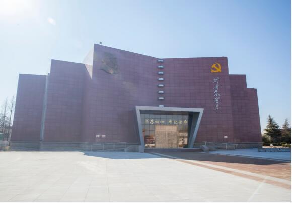 齐鲁遍地红 党史云游学  在《共产党宣言》陈列馆里感受信仰的力量