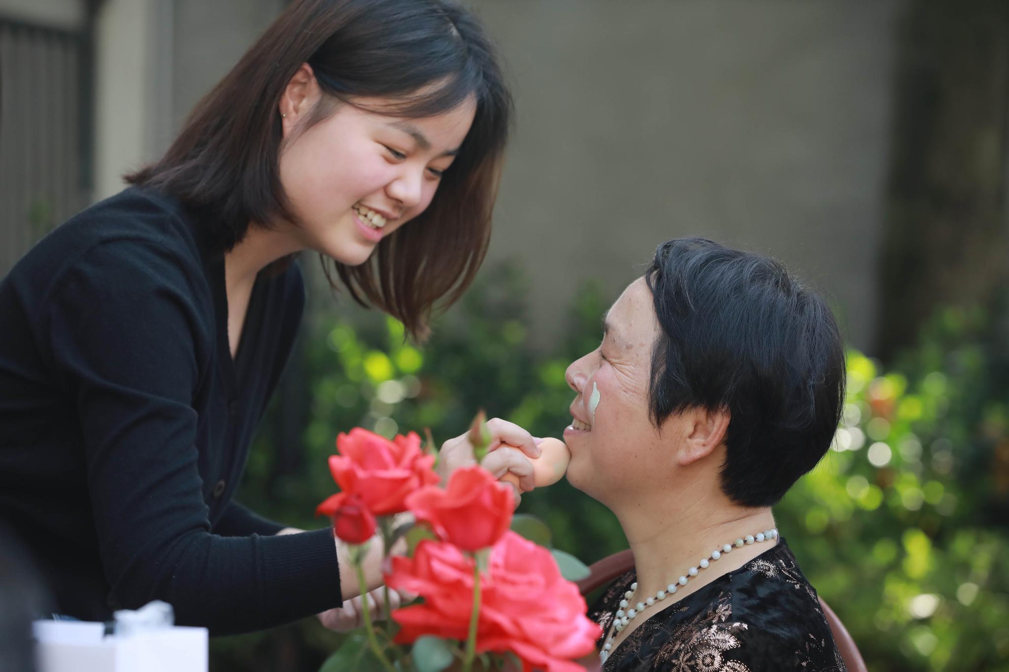 杭州:母亲节,给妈妈化个美美的妆