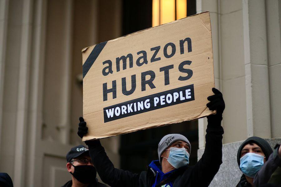 """亚马逊的""""避税""""风波与全球最低税率:来自西方政府的制裁"""