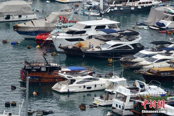 香港仔南避风塘火灾致多艘船只沉没