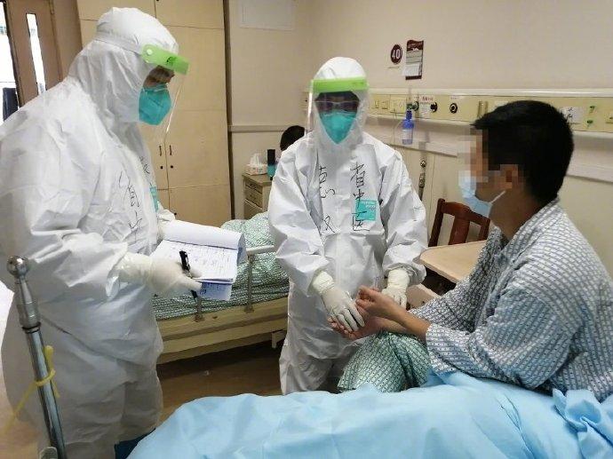 东莞德尔塔变异株传播过程:确诊学生未戴口罩经过病例餐桌