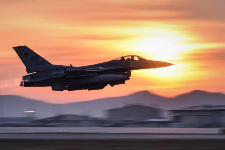 菲防长:美国F-16战机太贵,想买别的