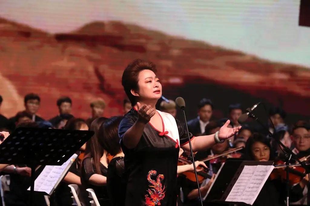 一场震撼心灵的视听盛宴——我校举办《黄河》交响合唱音乐会