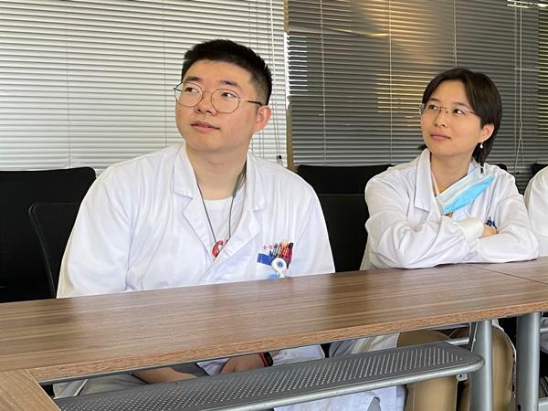 上海两位医学生获南京市见义勇为奖