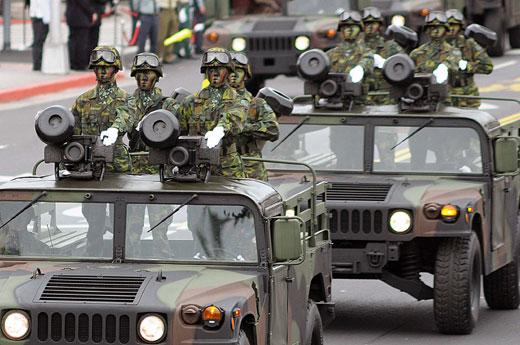 台专家:台军领先美军25年 一个营打解放军一个旅