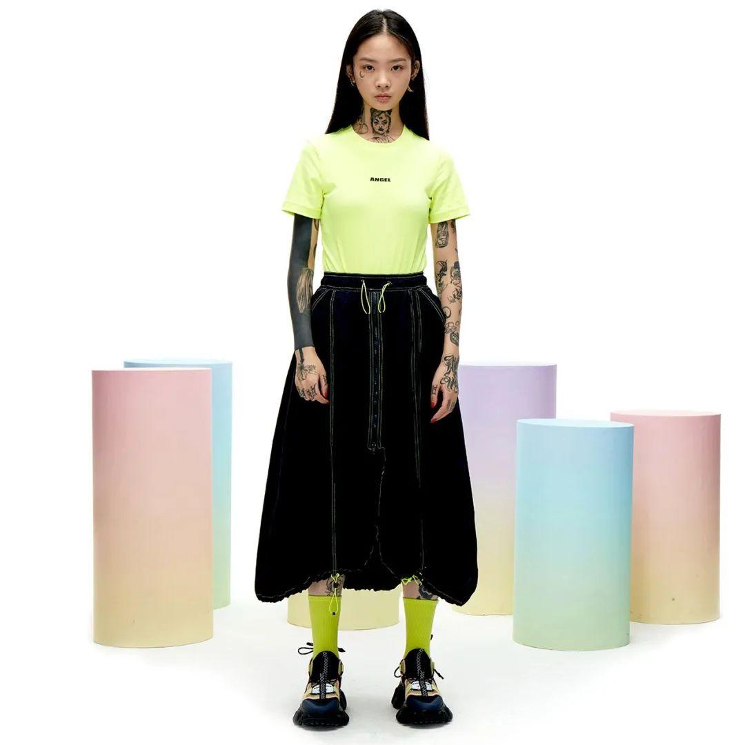 荧光色T恤