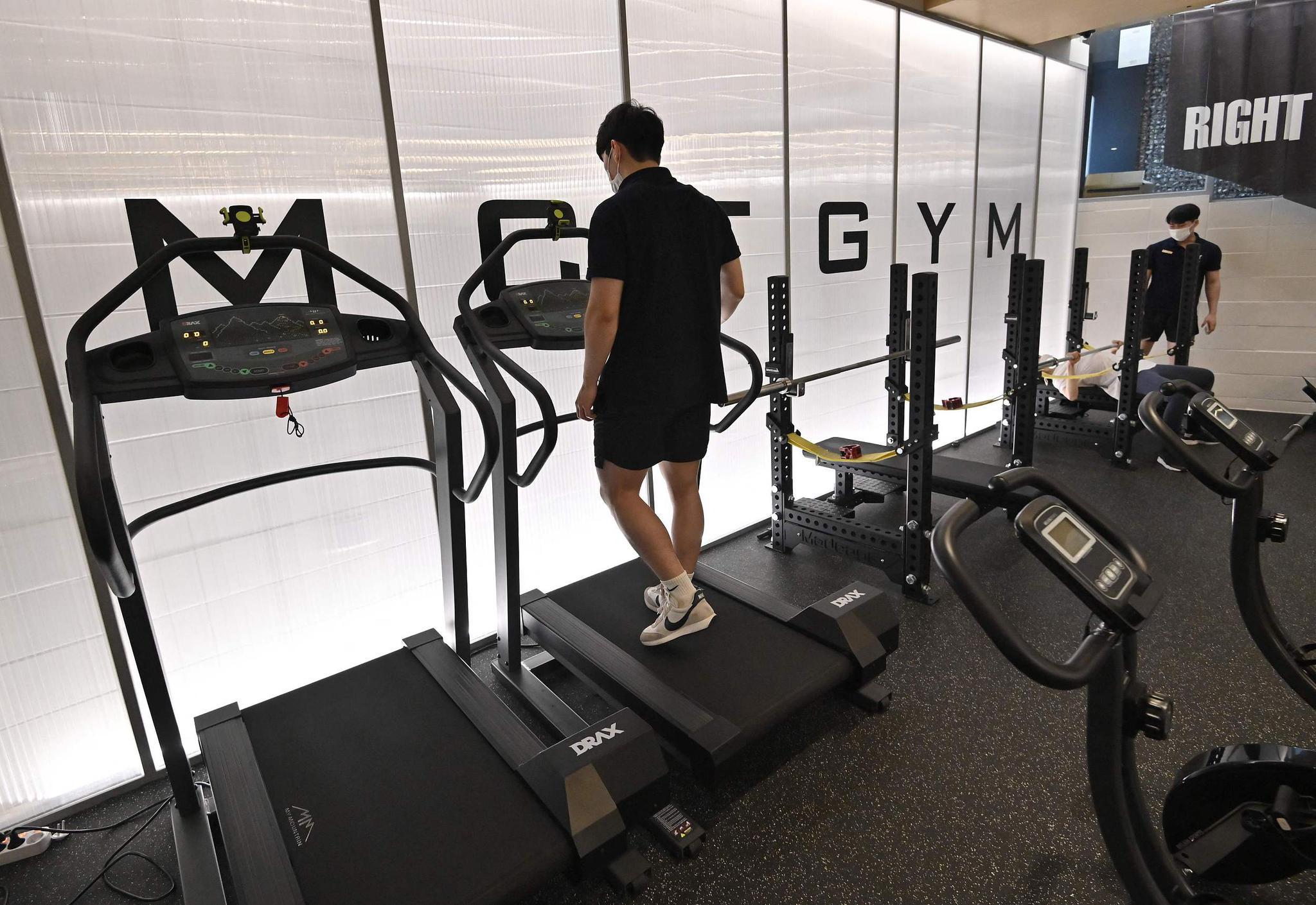 """听慢歌能防新冠?韩国对健身房音乐""""限速""""了"""