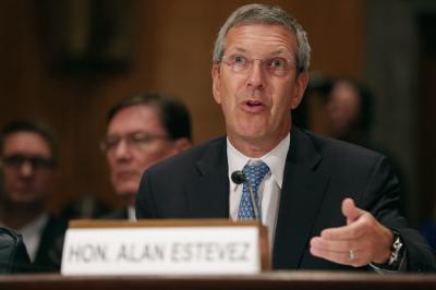 拜登提名的这位官员 被美媒称为中美对抗关键职位
