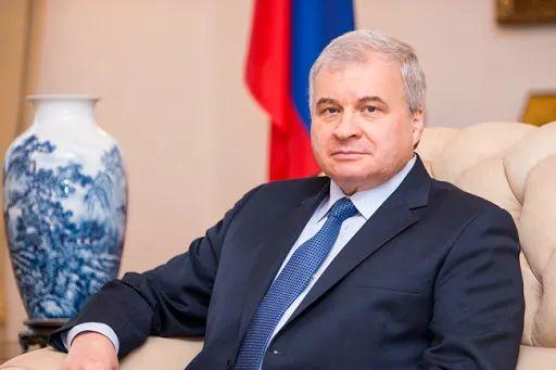 俄罗斯大使:中美还没到那一步。