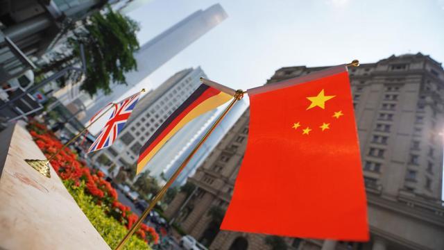 填美元空缺,俄主权财富基金人民币占比升至30.4%!中国表示欢迎
