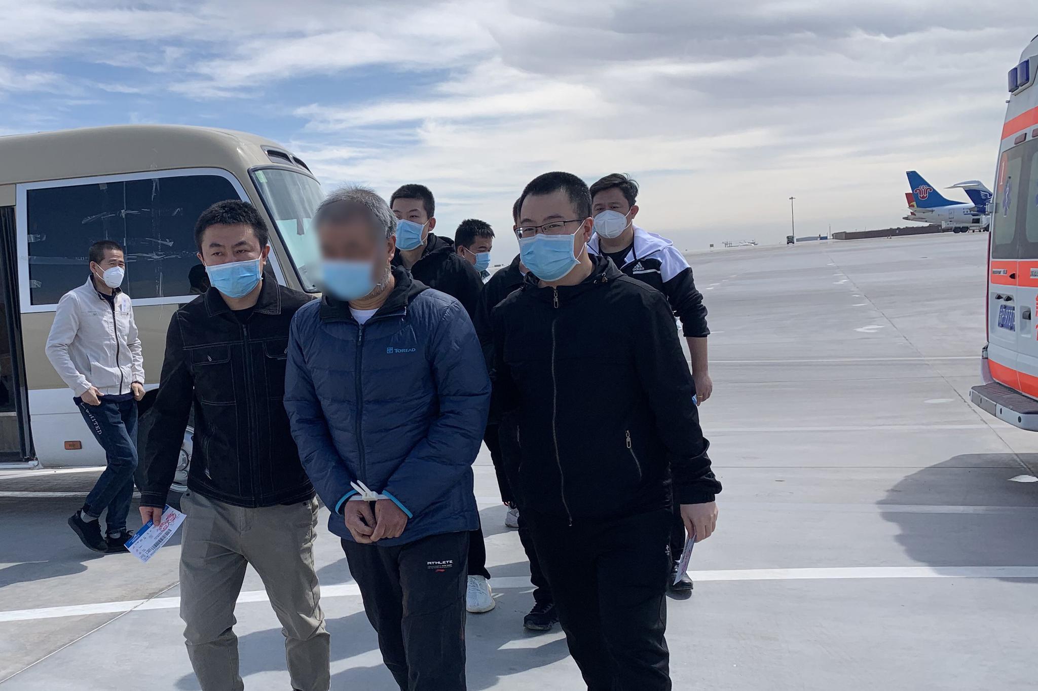 北京警方侦破特大骗税案,首次成功从吉尔吉斯斯坦引渡逃犯回国