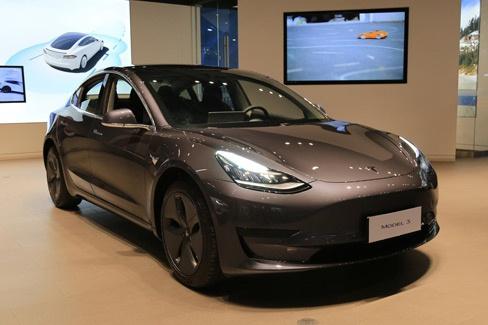 新车|国产特斯拉Model3亮相明年1季度开始交付