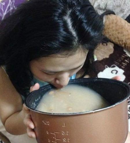 囧哥说事:精品沙雕!95后小伙自制乡村版奥特曼在日本爆红