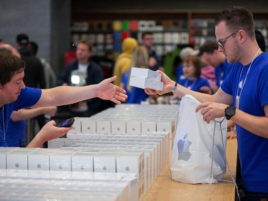 苹果iPhone销量下滑 消费者翘首以待今秋大升级
