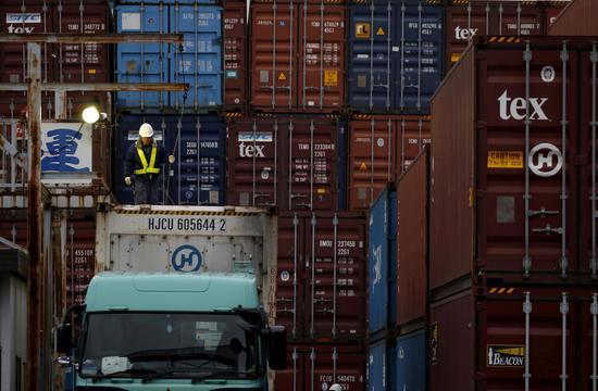 日本6月贸易恢复顺差 得益于出口增长