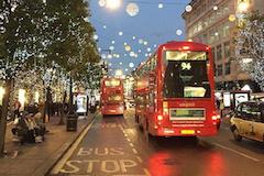 伦敦oxford street被美爆的圣诞灯点亮