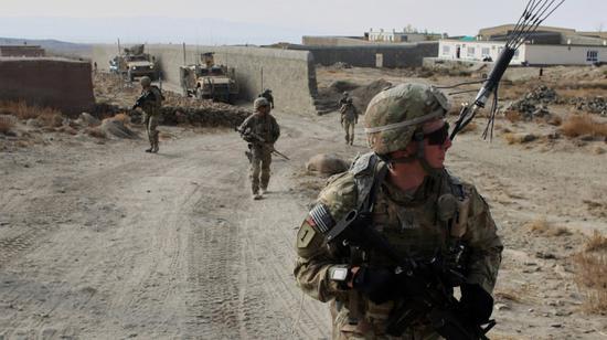 """美议员:边境混乱、阿富汗撤军 拜登上半年""""太糟"""""""