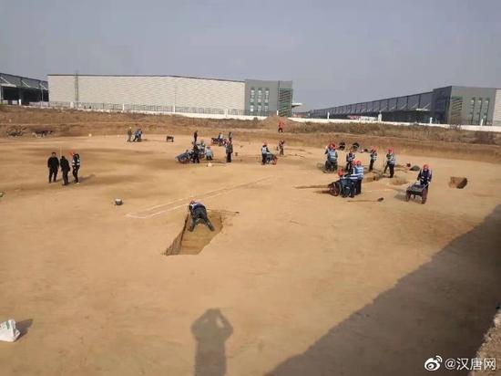 西安咸阳国际机场三期扩建 发现古墓葬3500余座
