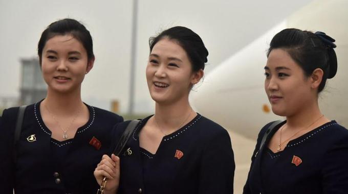 高丽航空开通济南航线 朝鲜空姐微笑亮相