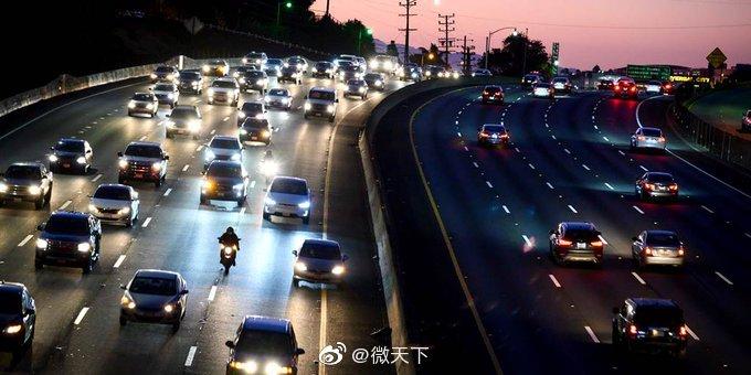 特朗普宣布将撤销加州汽车尾气排放标准