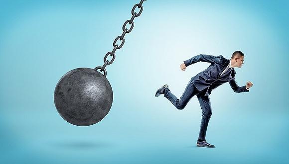 股票配资骗局套路,揭秘配资平台敛财套路:虚拟盘诈骗,无法兑付时直接跑路