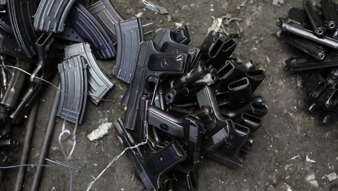 男子卖组装的仿真枪 涉嫌罪名不是非法买卖枪支?