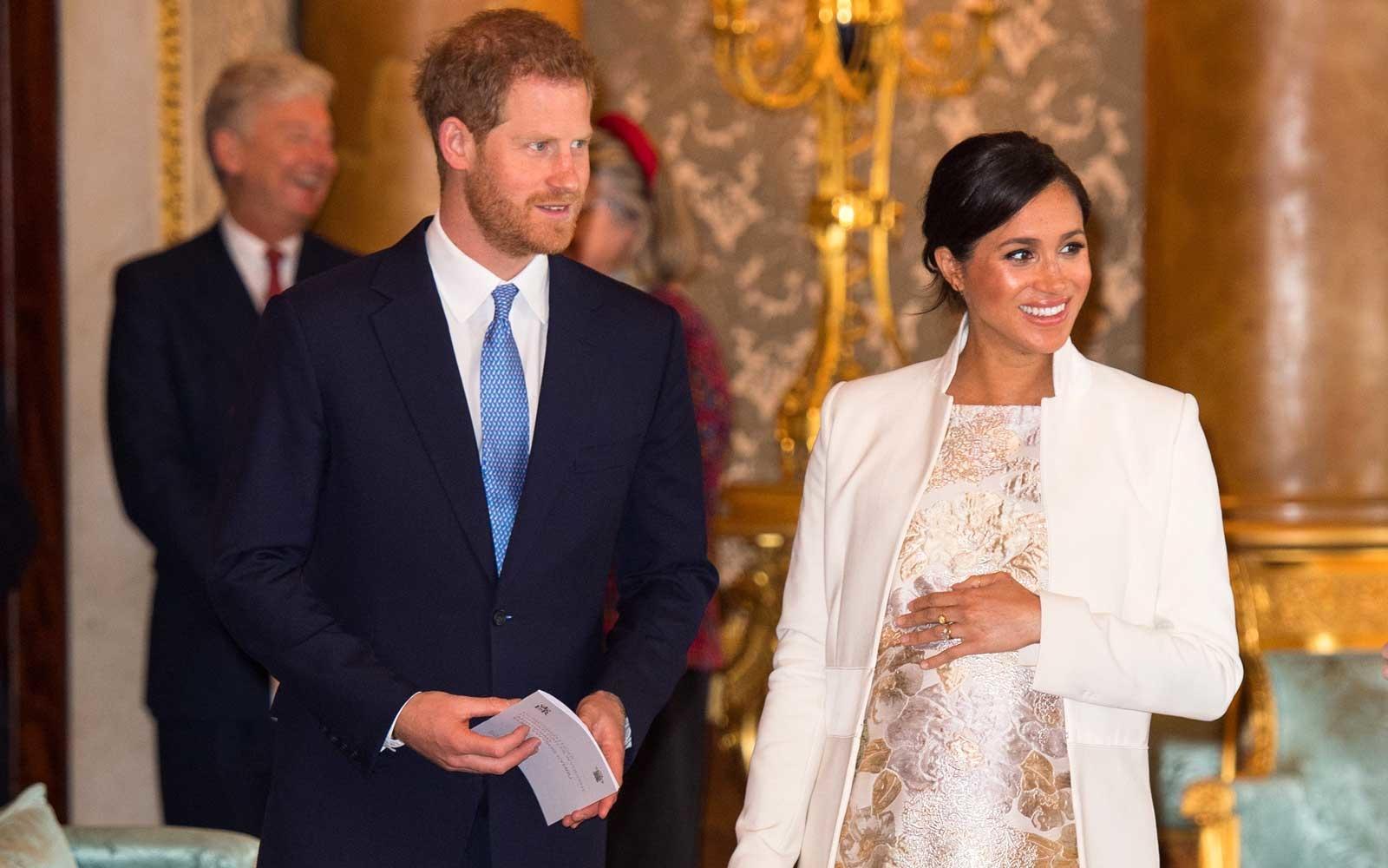 梅根王妃诞下男婴 英媒:新生儿不会在媒体前亮相