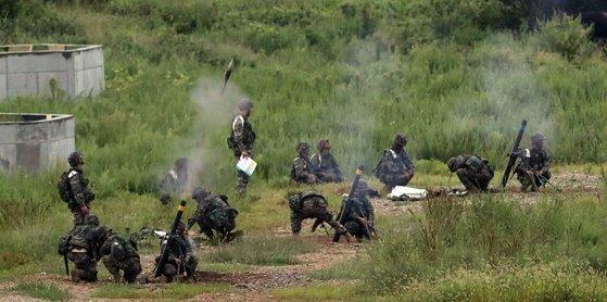 资料图:韩军进行迫击炮训练