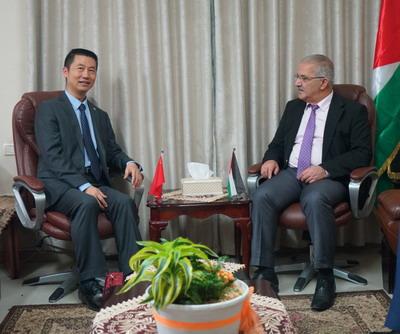 驻巴勒斯坦办事处主任郭伟会见巴交通部长萨利姆