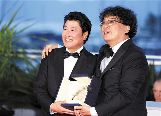 韩国电影《寄生虫》 摘得金棕榈 - 新浪网 -d20b-hxntqyz1963050