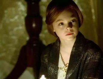 年仅21红了18年,好莱坞当红美少女迷翻戛纳,为何人人都爱她?火针减肥