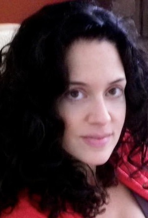 染了黑发后的萨拉(图源:《每日邮报》)
