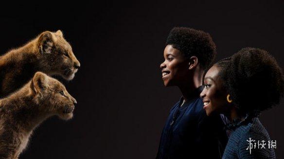 《狮子王》发布幕后配音特辑!演员角色对视宣传照曝光
