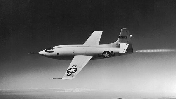 (飞行中的贝尔X-1火箭飞机)